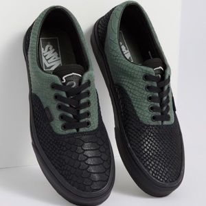 VANS X HARRY POTTER SLYTHERIAN VANS MULTIPLE SIZES